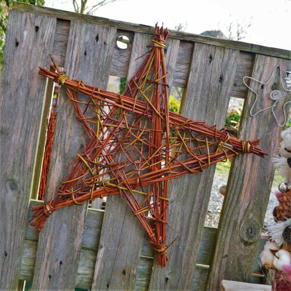 Exemple de décoration de Noël en osier créée lors de nos ateliers